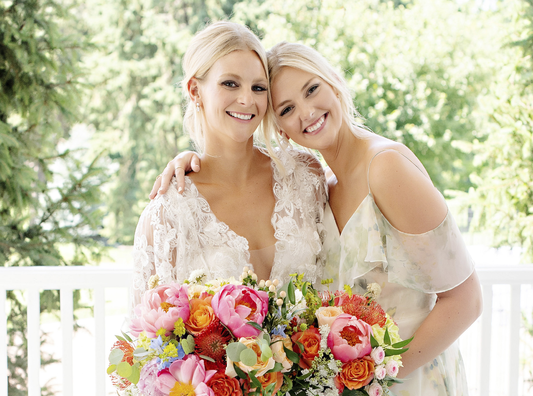 spring-wedding-bouquets-colorful-coral-peonies